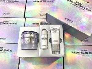 Kem Ốc Sên Goodal Premium Snail Tone Up Cream 50ml [ Cam Kết Chính Hãng ]