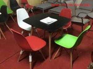 Bàn ghế cafe mặt nhựa chân gổ giá tại công ty sản xuất