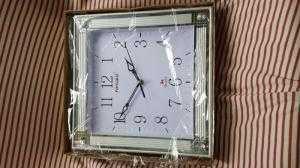Đồng hồ treo tường Forward Vuông, màu trắng