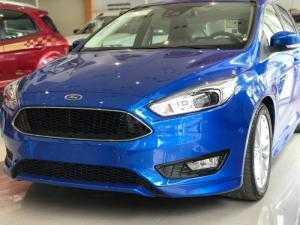 Ford Focus giá rẻ nhất thị trường, chỉ cần 147tr nhận xe