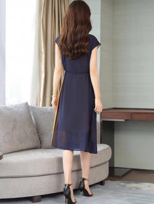 Đầm voan công sở phối màu thắt eo