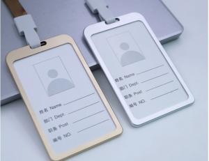 Bao đựng thẻ kim loại đựng thẻ tên nhân viên
