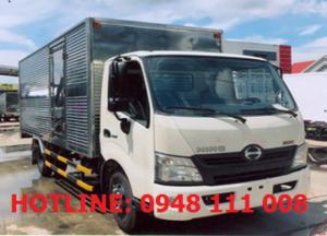 Xe tải 3,5T Thùng kín Hino XZU720