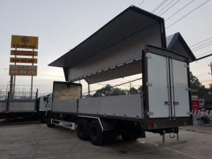 Xe tải Hino 16 tấn thùng cánh dơi, bán hàng lưu động