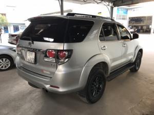 Bán Toyota Fortuner G 2.5MT màu bạc số sàn máy dầu sản xuất 2016 một đời chủ biển Sài Gòn