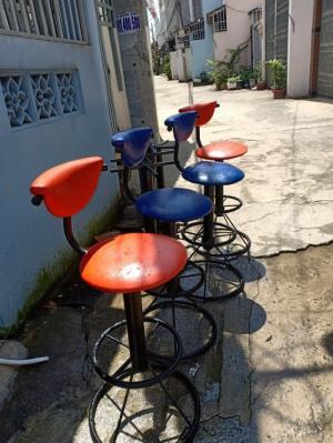 Thanh lý 4 ghế bar xoay được giá rẻ mai nguyễn