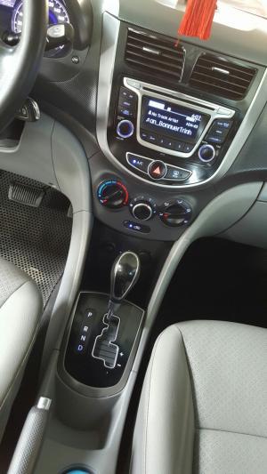 Bán Hyundai Accent Blue 1.4AT màu trắng số tự động nhập Hàn Quốc 2015 biển Sài Gòn