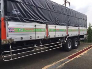 Xe tải Hino 16 tấn thùng mui bạt, trả trước...