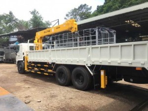 Mua xe tải Hino 16 tấn gắn cẩu 7 tấn, trả...