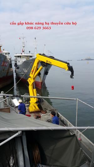 Cẩu gập cứu hộ trên biển