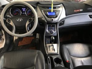 Bán Hyundai Elantra GLS 1.8AT màu trắng số tự động nhập Hàn Quốc 2013 biển SG xe đẹp
