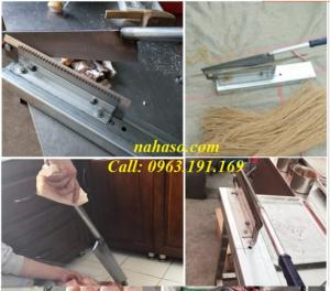 Máy chặt xương heo, móng giò thủ công gi
