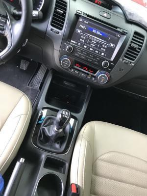 Bán Kia Cerato 1.6MT màu trắng số sàn sản xuất 2017 đăng ký 2018 bản đủ mẫu mới