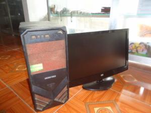 Bộ máy bàn H61 gigabyte + màn 20in đèn led