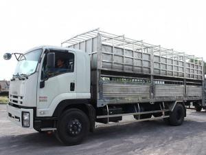 Xe tải isuzu 8t2 chở heo - Trả trước 200 triệu giao luôn xe
