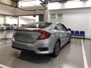 2018-09-21 09:34:13  5  Honda Ôtô Cần Thơ - Honda Civic 1.8 mà bạc giao ngay. 763,000,000