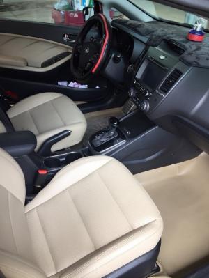 Bán Kia Cerato 2.0AT màu đen VIP số tự động, sản xuất 2016, lăn bánh đúng 12000km