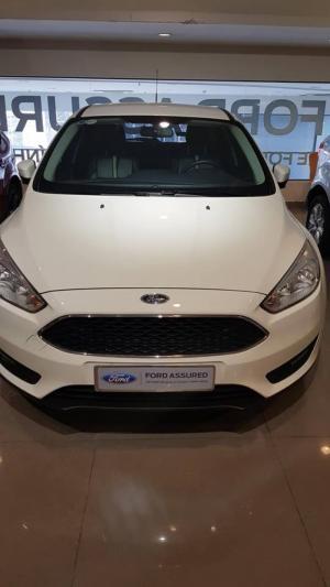 Ford FOCUS 2017 TREND Xe Đẹp Giá Hợp Lý.
