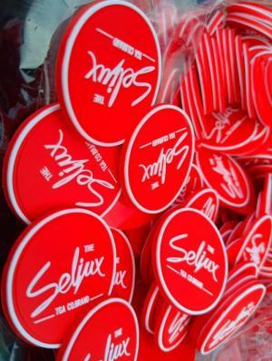 Sản xuất cung cấp logo nhựa theo thương hiệu của bạn