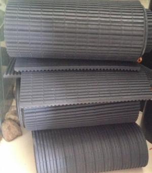 Cao su xẻ rãnh chống rung chuyên dùng cho ngành lạnh