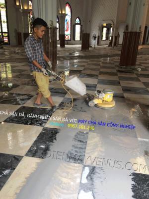Tư vấn múa máy hút bụi & chà sàn cho dịch vụ vệ sinh