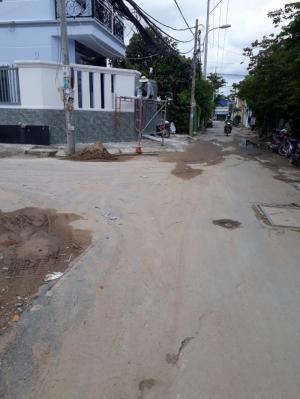Bán đất lô góc hai mặt tiền hẻm 2266 Huỳnh Tấn Phát, Nhà Bè.Diện tích 81m2