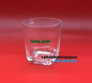 In ấn logo công ty theo yêu cầu lên ly thủy tinh