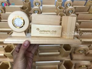 Quà gỗ để bàn, khắc laser logo theo yêu cầu