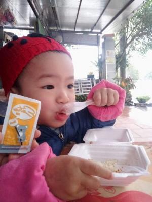 cốm dinh dưỡng cho trẻ biếng ăn