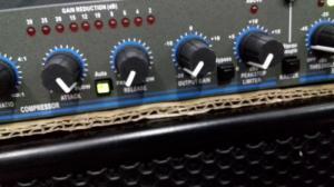 Bộ nén tiếng, nâng tiếng DBX 166 XL