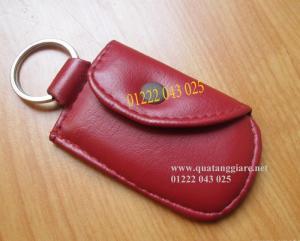 Xưởng chuyên sản xuất móc khóa da đỏ, in ấn logo quảng cáo theo yêu cầu
