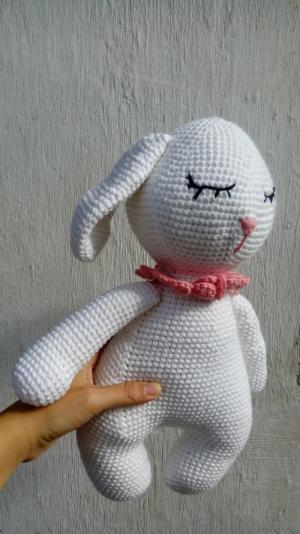 Gấu bông thỏ trắng - gấu bông thỏ tai dài - gấu bông hình con thỏ buồn ngủ len handmade - móc len hình con thỏ