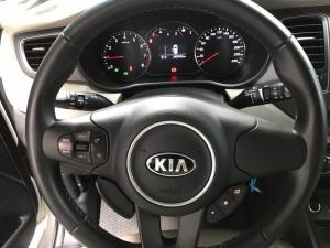 Bán Kia Rondo 2.0MT số sàn máy xăng màu trắng...