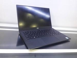 Dell XPS 9350 Silver ( i5-6200U, 8G, SSD 256Gb, VGA Intel Iris 520, màn 13.3″ 3K IPS cảm ứng, viền siêu mỏng)