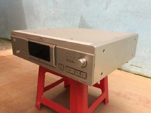 CD sony XA50ES, 18w , 2 tăng phô