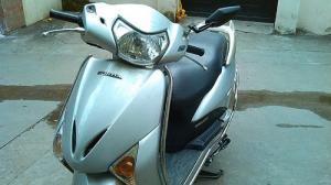 Lead fi Honda màu bạc 13,t5