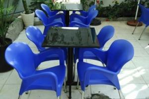 Ghế nhựa dùng cho bàn ghế cafe sân vườn giá rẻ