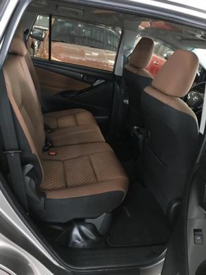 Innova 2.0E 2017, màu đồng, xe cá nhân