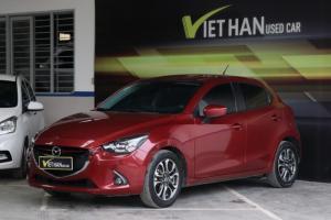 Bán Mazda 2 Hacthback 1.5AT màu đỏ số tự động 5 cửa sản xuất T2/2018