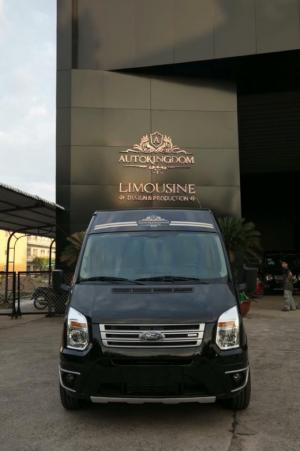 Ford Transit Limousine VIP 2019 trả trước...