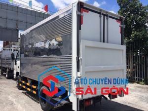 Xe tải Isuzu 2 tấn 2 thùng kín bửng nâng được vô thành phố hỗ trợ ngân hàng cao