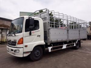 Xe tải Hino FC 6t2 thùng mui bạt, trả...