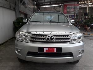 Bán xe Fortuner V sản xuất 2011  màu bạc