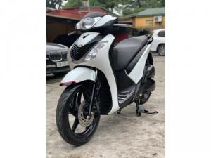 SH Việt 125 Full nhập 2016 màu trắng  vành 5 chấu cực chất Bảo hành xe 1 năm về động cơ và máy.