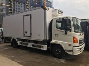 Xe tải Hino 6 tấn thùng đông lạnh