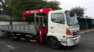Xe tải Hino 6 tấn gắn cẩu gấp