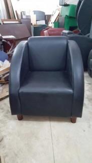 Ghế sofa bọc nệm màu xanh QE2