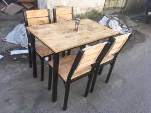 Bộ bàn ghế gỗ dành cho quán ăn giá rẻ tại TPHCM