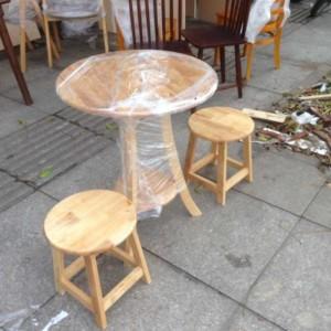Bộ bàn ghế gỗ 1 bàn+ 2 ghế