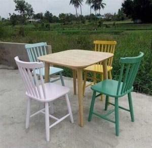 Bộ bàn gỗ ghế nhựa nhìu màu giá rẻ